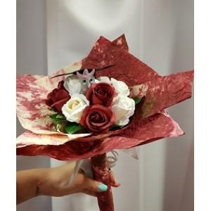 Rózsacsokor bagollyal