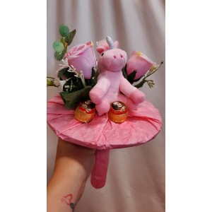 Virágcsokor unicornis plüssel