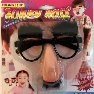 Szemüveg szemöldökkel , bajusszal