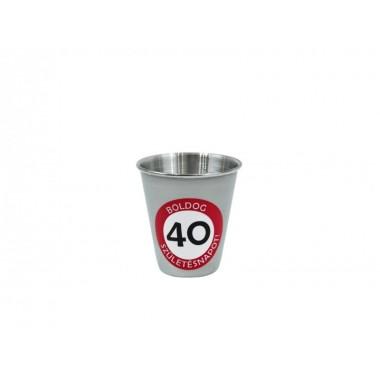 40-es feles pohár