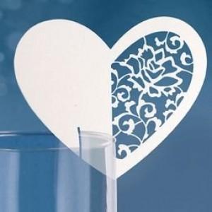 Esküvői szív alakú ültetőkártya pohárra