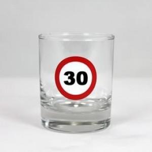 Wishkey-s üvegpohár sebességkorlátozós 30 éveseknek