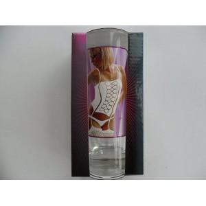 Vetkőzős női vizes pohár