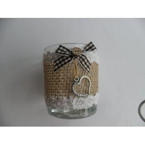 Üvegpohár textil díszítéssel