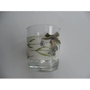 Üvegpohár textil díszítéssel pillangóval
